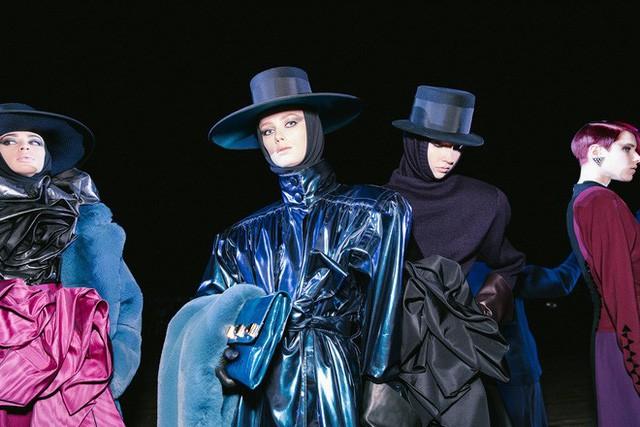 Marc Jacobs: Một tượng đài đang sụp đổ? - Ảnh 11.