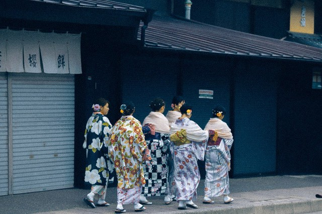 Bộ ảnh ở Kyoto này sẽ cho bạn thấy một Nhật Bản rất khác: Bình yên, dịu dàng và đẹp như những thước phim điện ảnh - Ảnh 2.