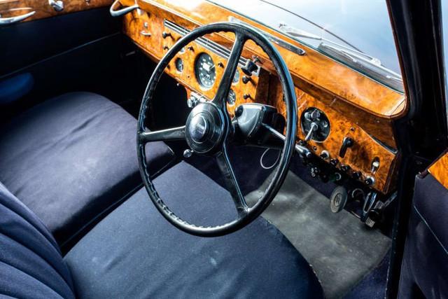 Hoàng gia Anh rao phân phối bộ sưu tập siêu xe hãng Rolls-Royce đắt giá - Ảnh 2.