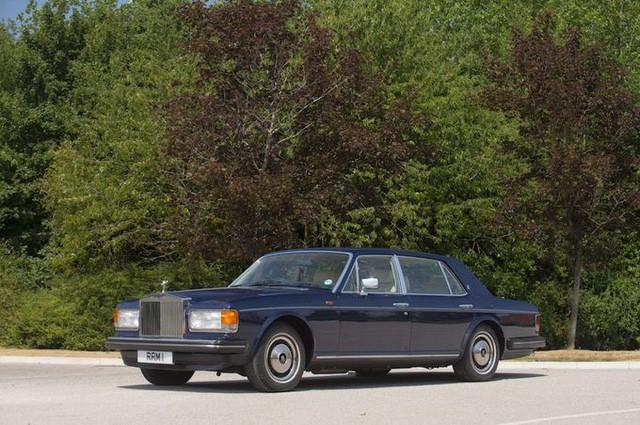 Hoàng gia Anh rao bán bộ sưu tập siêu xe Rolls-Royce đắt giá - Ảnh 5.