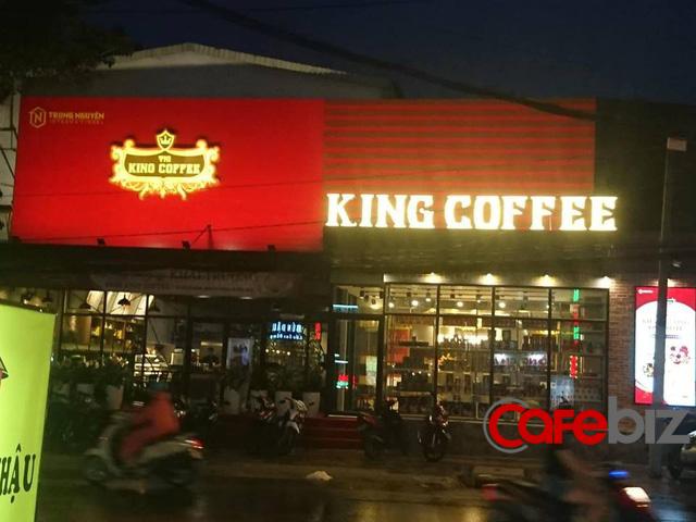 Bên trong quán cafe King Coffee của vợ vua cà phê Trung Nguyên có gì? - Ảnh 1.