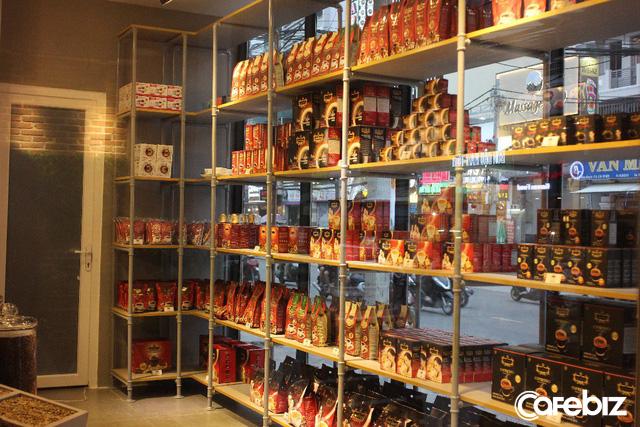 So găng King Coffee của bà Lê Hoàng Diệp Thảo và chuỗi Trung Nguyên Coffee ông Đặng Lê Nguyên Vũ từng gây dựng - Ảnh 13.