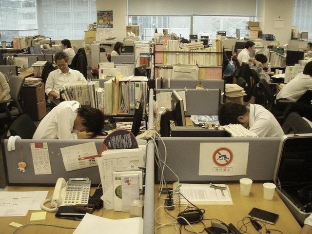 Inemuri: Nghệ thuật ngủ nơi công cộng đã trở thành thương hiệu của người Nhật Bản - Ảnh 5.