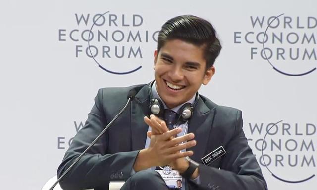 Chàng bộ trưởng Malaysia tuổi 25: Soái ca ngoài đời thực với đam mê chạy bộ và chơi điện tử - Ảnh 8.