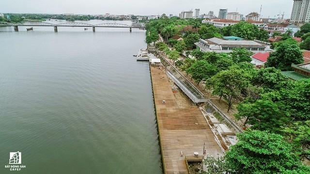 Toàn cảnh dự án cầu đi bộ siêu sang lát gỗ lim gần 53 tỷ đồng ở Huế - Ảnh 10.