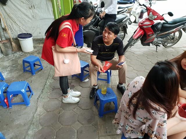 Chân ướt chân ráo tới Hà Nội, Go-Việt thể hiện tham vọng vượt mặt Grab ngay từ quán trà đá - Ảnh 1.