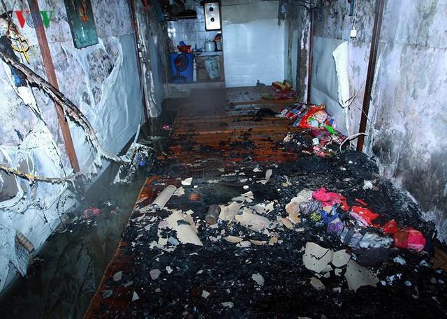 Ảnh: Hiện trường bên trong vụ cháy gần Bệnh viện Nhi Trung ương - Ảnh 12.