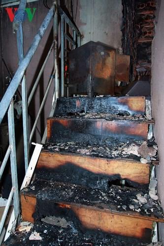 Ảnh: Hiện trường bên trong vụ cháy gần Bệnh viện Nhi Trung ương - Ảnh 14.