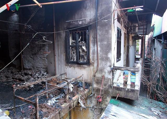 Ảnh: Hiện trường bên trong vụ cháy gần Bệnh viện Nhi Trung ương - Ảnh 4.
