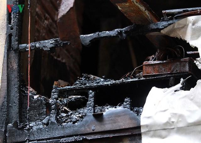 Ảnh: Hiện trường bên trong vụ cháy gần Bệnh viện Nhi Trung ương - Ảnh 10.