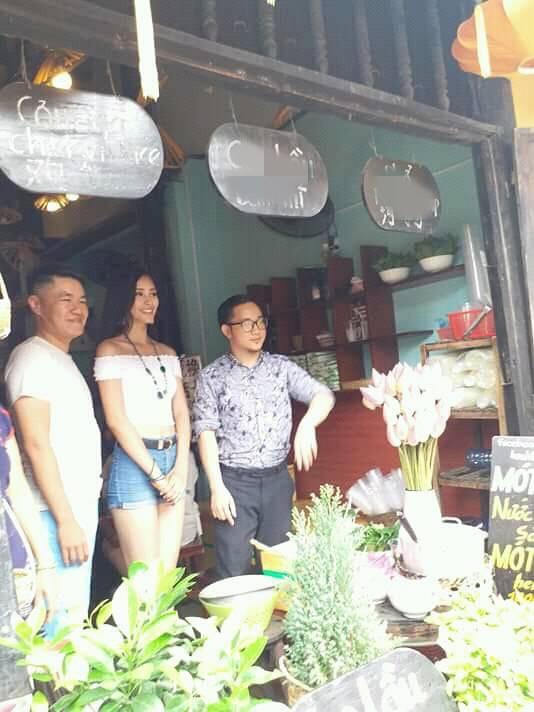 Vừa về đến quê nhà, Hoa hậu Tiểu Vy đã gây sốt với khoảnh khắc khoe dáng chuẩn - Ảnh 2.