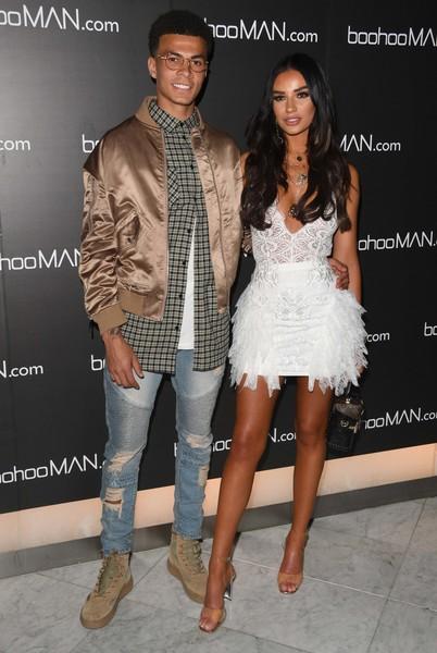 """đầu tư giá trị - photo 4 15377524963411737161383 - Beckham và Victoria là quá khứ rồi, đây mới là 4 cặp đôi với gu thời trang """"bá đạo"""" trong mùa World Cup 2018"""