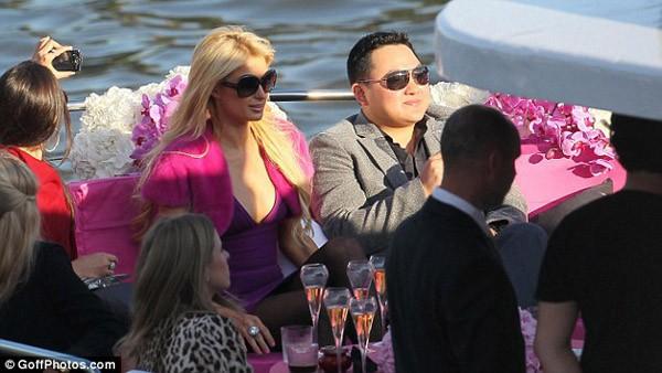 Cuộc sống phóng túng, siêu giàu, dùng tiền mua cả Hollywood của tỷ phú Malaysia đang bị truy nã - Ảnh 7.