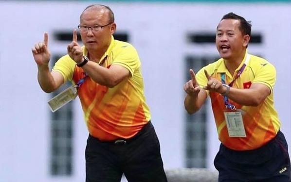 Đôi lời gửi ông Lê Huy Khoa, trợ lý ngôn ngữ của HLV Park Hang-seo - Ảnh 1.