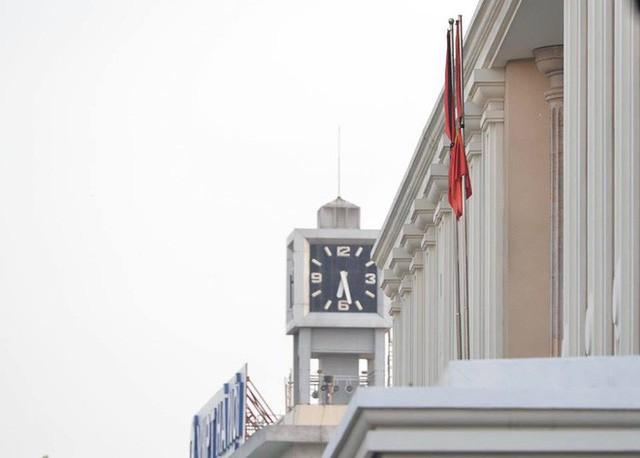 Treo cờ rủ Quốc tang Chủ tịch nước Trần Đại Quang - Ảnh 19.
