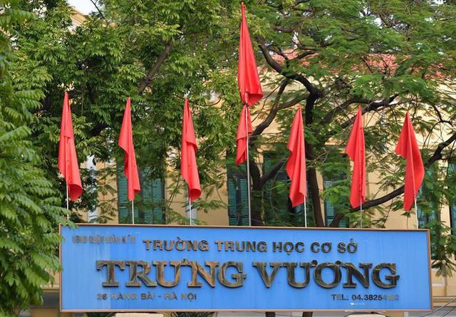 Treo cờ rủ Quốc tang Chủ tịch nước Trần Đại Quang - Ảnh 20.