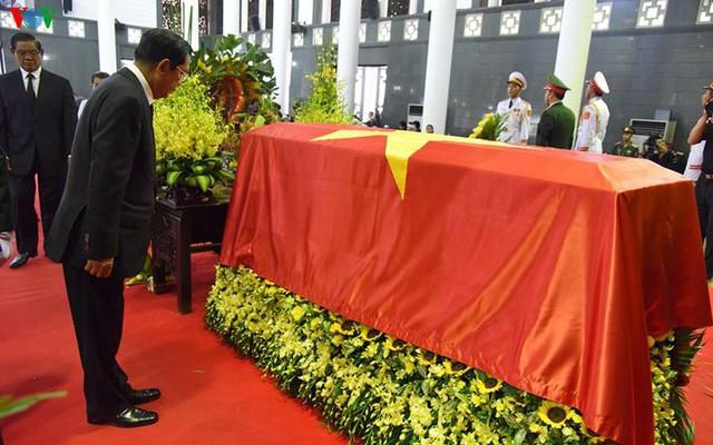Các đoàn đại biểu quốc tế viếng Chủ tịch nước Trần Đại Quang - Ảnh 4.