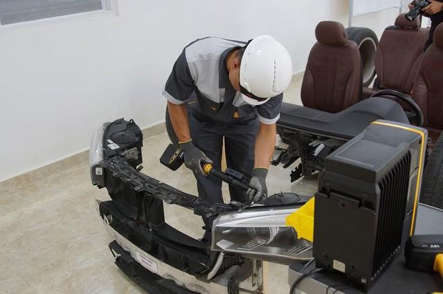 Hé lộ nhiều thông số xe VinFast trước giờ G: Động cơ tăng áp, hộp số 8 cấp, an toàn 5 sao, màn hình 10,5 inch - Ảnh 2.