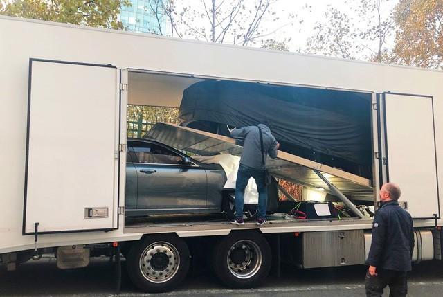 Chùm ảnh: Cận cảnh 2 xe VinFast được vận chuyển tới Paris Motor Show 6
