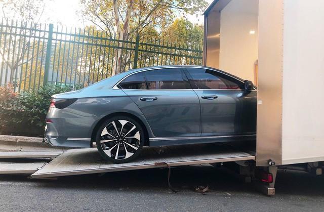 Chùm ảnh: Cận cảnh 2 xe VinFast được vận chuyển tới Paris Motor Show 7