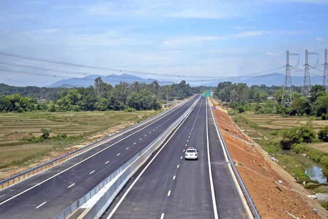 Cao tốc 1,5 tỷ USD đầu tiên ở miền Trung có gì đặc biệt?  - Ảnh 1.