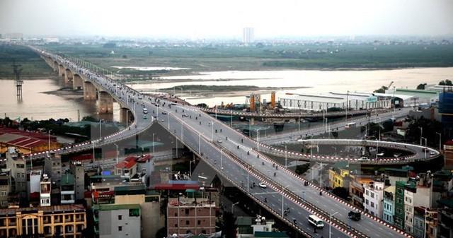 Hạ tầng thúc đẩy làn sóng đầu tư vào bất động sản khu Đông Hà Nội trong năm 2018 - Ảnh 1.