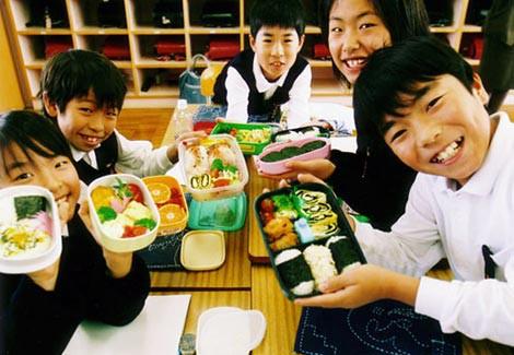 Hộp cơm Bento và áp lực vô hình trong những bữa cơm trưa của trẻ em Nhật Bản - Ảnh 3.