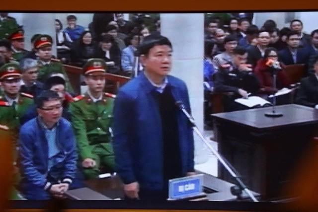 Xét xử ông Đinh La Thăng, Trịnh Xuân Thanh và đồng phạm: Các bị cáo được đưa trở lại phòng xử  - Ảnh 4.