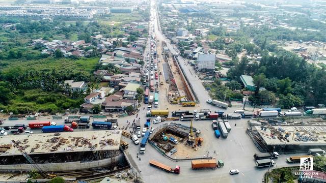 Cận cảnh tiến độ hàng loạt dự án giao thông trọng điểm của TP.HCM - Ảnh 5.