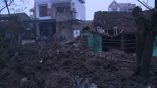 Nổ kinh hoàng ở Bắc Ninh lúc rạng sáng khiến 2 cháu bé tử vong, hàng chục ngôi nhà bị san phẳng - Ảnh 8.