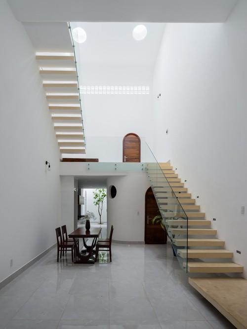 Ngắm vẻ đẹp hoài cổ của căn nhà 2 tầng ở Bình Dương xuất hiện trên báo ngoại - Ảnh 9.