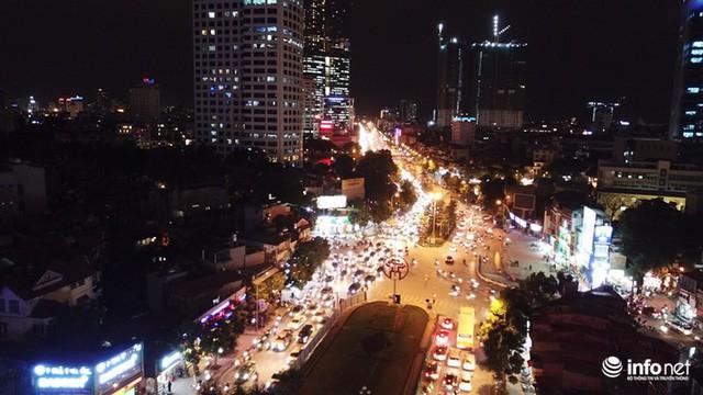 Xén dải phân cách mở rộng 4 làn xe, Nguyễn Chí Thanh hết danh là đường đẹp nhất - Ảnh 10.
