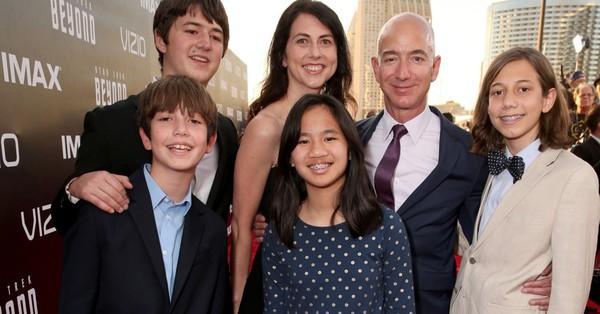 Bữa sáng kỳ lạ của người giàu nhất thế giới Jeff Bezos - Ảnh 1.