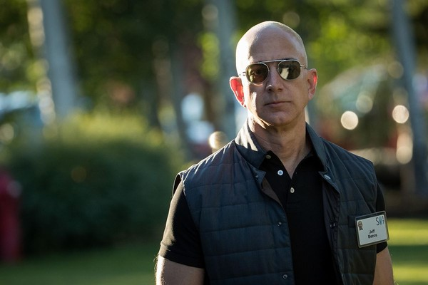 Bữa sáng kỳ lạ của người giàu nhất thế giới Jeff Bezos - Ảnh 2.