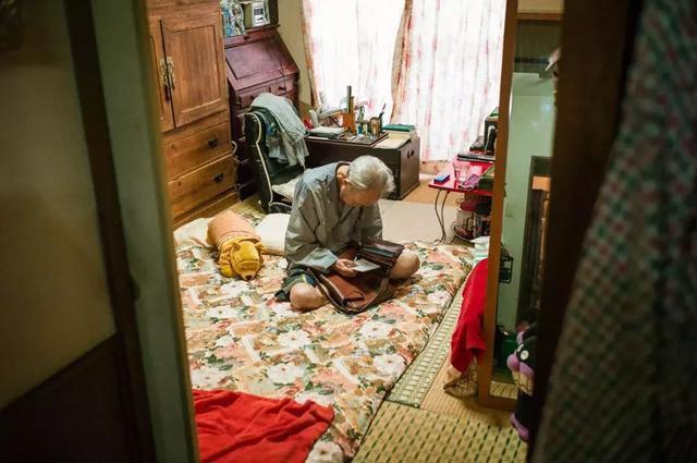3 năm, 33 bức ảnh, nhiếp ảnh gia ghi lại quá trình trước khi cha từ giã cõi đời vì ung thư: Đừng để người thân một mình chống chọi - Ảnh 18.