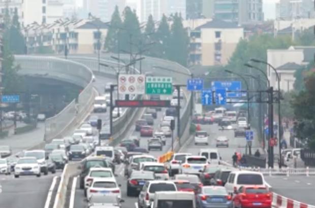 Alibaba phát triển dự án não bộ dùng AI giải quyết vấn nạn tắc nghẽn giao thông ở thành phố quê nhà - Ảnh 1.