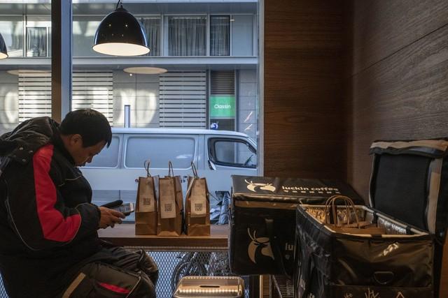 Start-up mới nổi của Trung Quốc chi hàng trăm triệu USD tự tin đánh bại Starbucks - Ảnh 4.