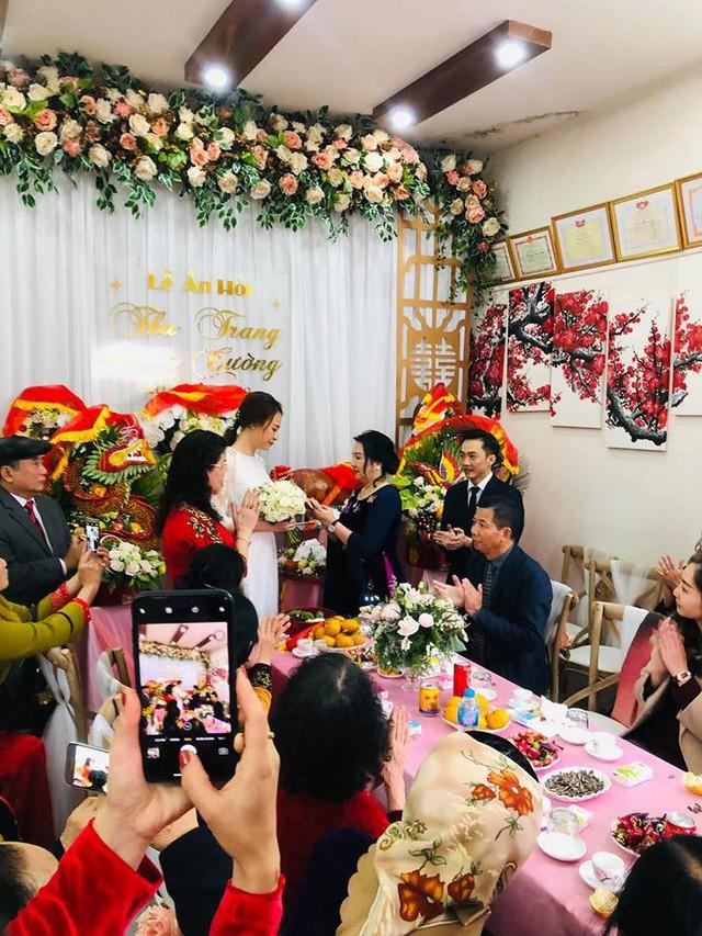 Cận cảnh đám hỏi Cường Đô La và Đàm Thu Trang: Doanh nhân Như Loan xúc động trao nhẫn cho cô dâu  - Ảnh 2.
