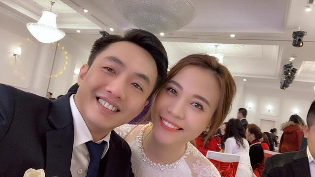 Cận cảnh đám hỏi Cường Đô La và Đàm Thu Trang: Doanh nhân Như Loan xúc động trao nhẫn cho cô dâu  - Ảnh 3.