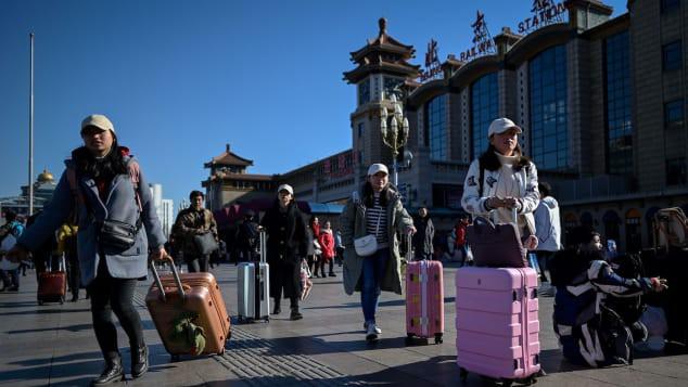 Cuộc di cư lớn nhất hành tinh: Người Trung Quốc về quê ăn Tết - Ảnh 1.