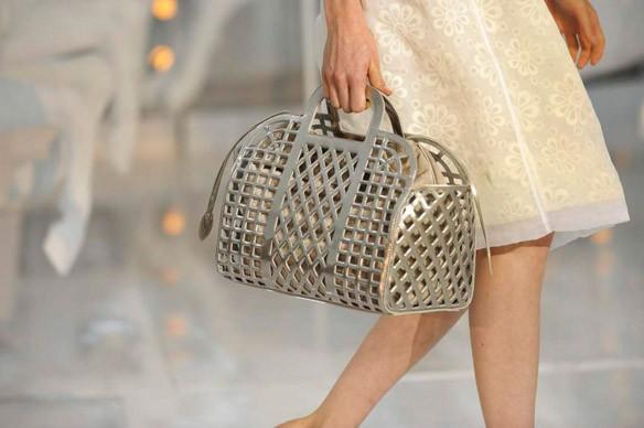 Từ hương Gucci đến đũa Versace: Những món đồ siêu độc mà chỉ hội Rich Kid mới dám sắm ngày Tết - Ảnh 1.