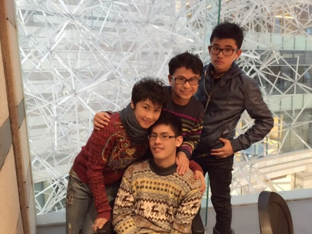 Đời cay đắng của sao phim Châu Tinh Trì: U60 vẫn phải vất vả kiếm tiền chữa bệnh cho con - Ảnh 10.