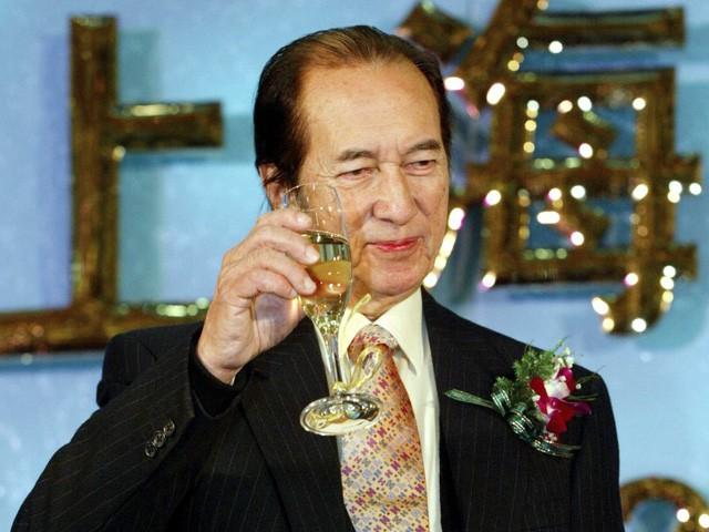 4 vợ, 17 người con và cuộc chiến tranh giành quyền lực kéo dài hàng thập kỷ trong gia tộc của ông vua sòng bạc Macao  - Ảnh 2.