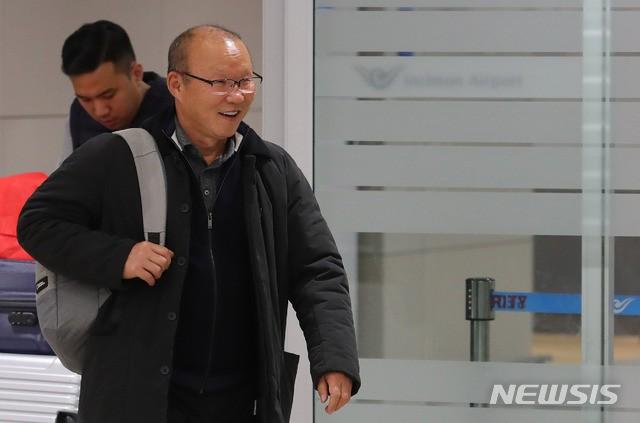 """park hang-seo - photo 1 1548755684076963245726 - Thầy Park trả lời báo Hàn Quốc: """"Thành tích vô địch AFF Cup và lọt vào tứ kết Asian Cup chưa phải đỉnh cao nhất"""""""