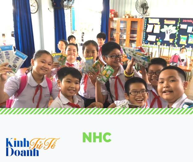 15 tỷ vỏ hộp sữa giấy người dân Việt Nam thải ra môi trường mỗi năm sẽ đi về đâu?  - Ảnh 1.