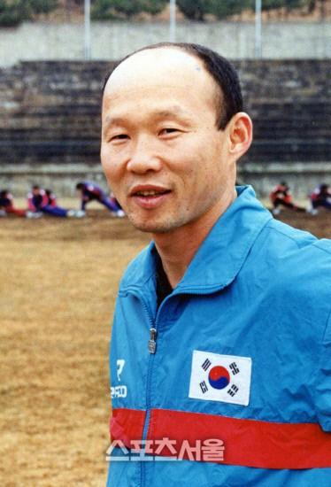 park hang-seo, - photo 3 15465839568681116190627 - HLV Park Hang-seo bước sang tuổi 60: Từ sinh viên nghiên cứu thảo mộc đến huyền thoại bóng đá Việt Nam