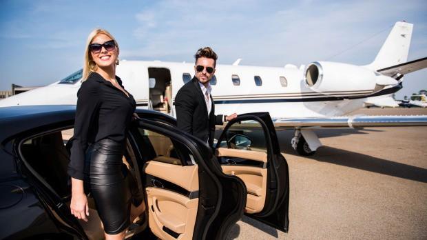 Nghỉ phép kiểu siêu giàu: Đốt cả triệu đô để có chuyến du lịch sinh tồn không đụng hàng - Ảnh 1.