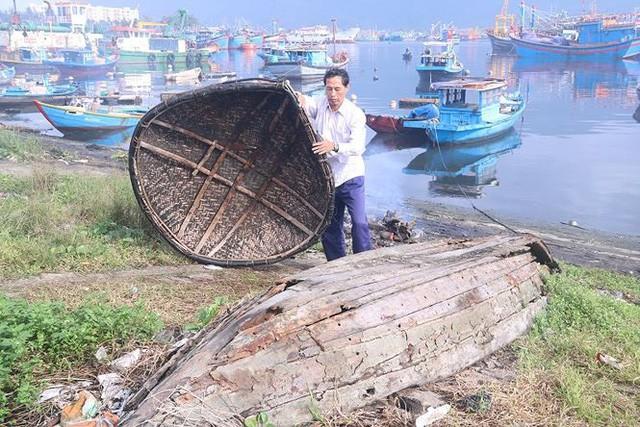 Ngổn ngang nghĩa địa tàu cá xả bản ở Đà Nẵng - Ảnh 4.