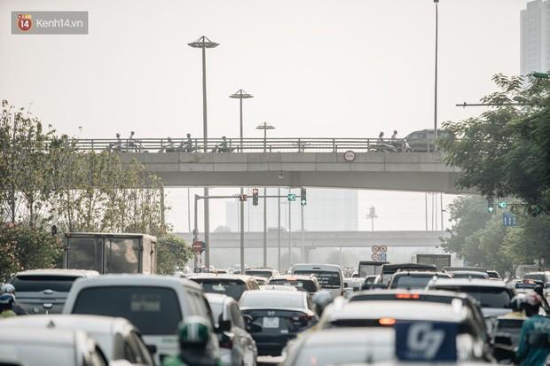 Hiểu như thế nào về tình trạng ô nhiễm không khí tại Hà Nội: Liệu rời thành phố có thể hít thở bầu không khí trong lành? - Ảnh 4.