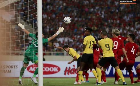 [Vòng loại World Cup 2022] Việt Nam 1-0 Malaysia (H2): Quang Hải lập siêu phẩm ngả người volley - Ảnh 17.